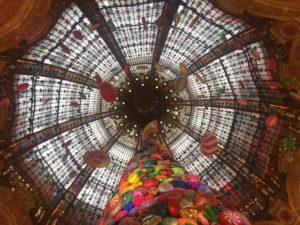 Il y a de la création dans l'air aux Galeries Lafayette de Paris
