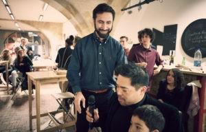 Julien Durandet au coworking du Node, avec d'autres coworkers