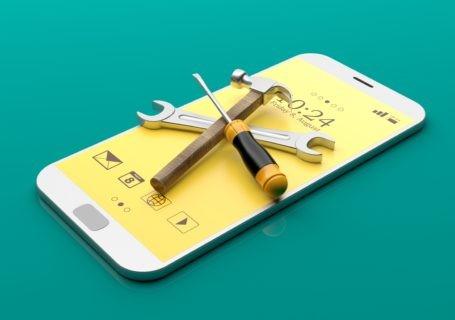 Outils empilés sur un smartphone
