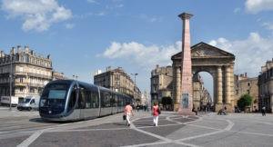 Construction de plusieurs lignes de tramway à Bordeaux pour le numérique
